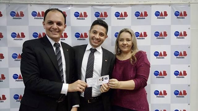 OAB-PB realiza solenidade de entrega de carteiras para novos advogados e estagiários