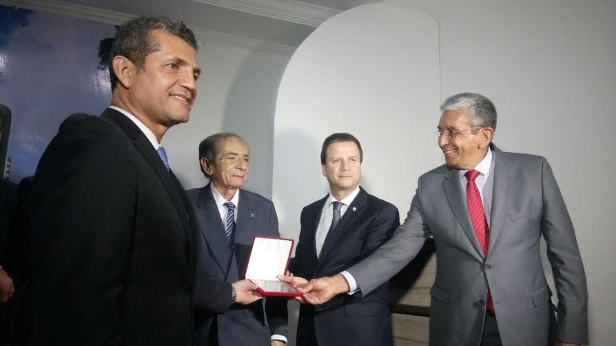 OAB-PB homenageia advogado José Agra pelos relevantes serviços prestados à advocacia