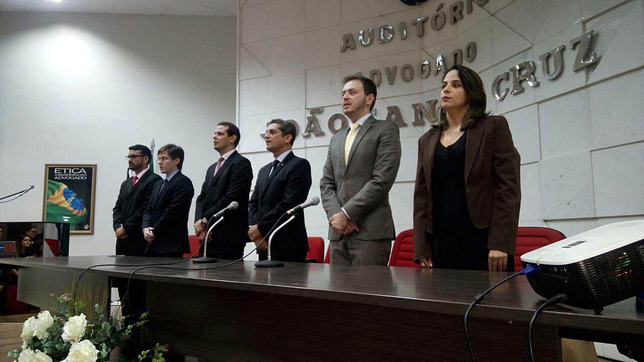 OAB-PB realiza solenidade de entrega de carteiras a novos advogados e estagiários