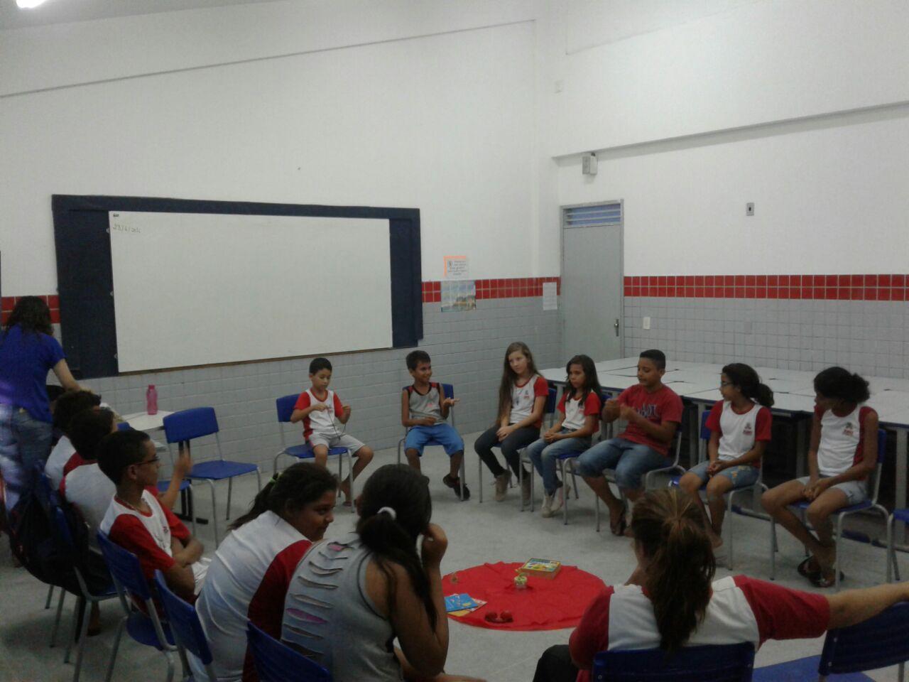 Comissão de Mediação e Arbitragem realiza atividades do projeto 'Mediação Escolar' na escola Leonel Brizola