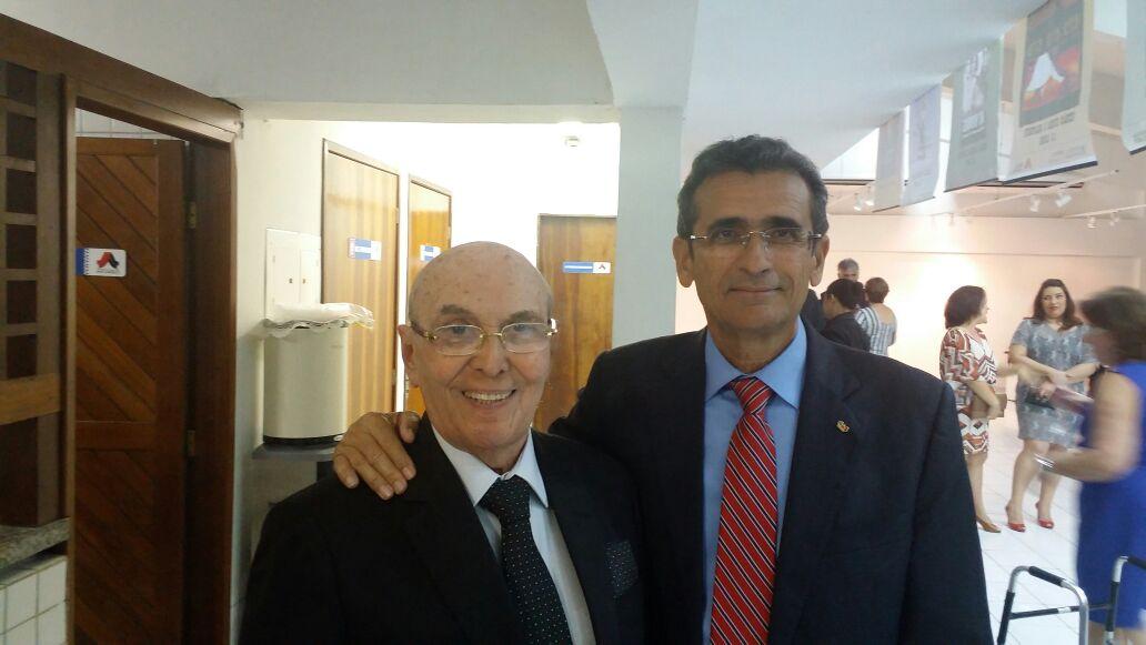 Assis Almeida representa a OAB-PB em solenidade de lançamento do livro do advogado Wilson Aquino