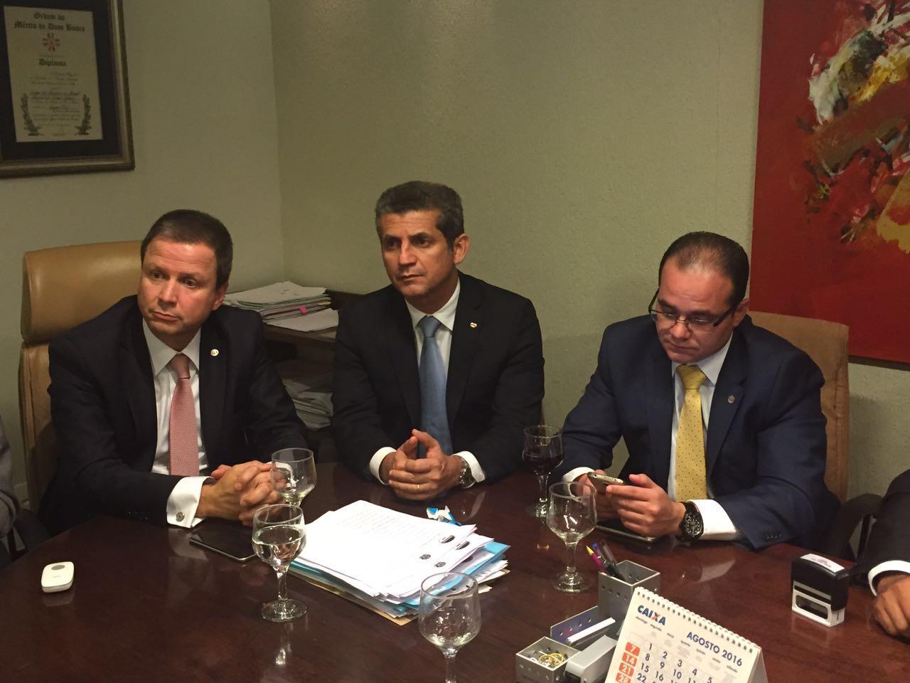 Presidentes da OAB apresentam demandas da advocacia ao procurador-chefe do INSS