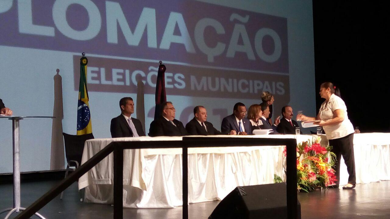 Paulo Maia participa de solenidade de diplomação do TRE dos eleitos em João Pessoa nas últimas eleições