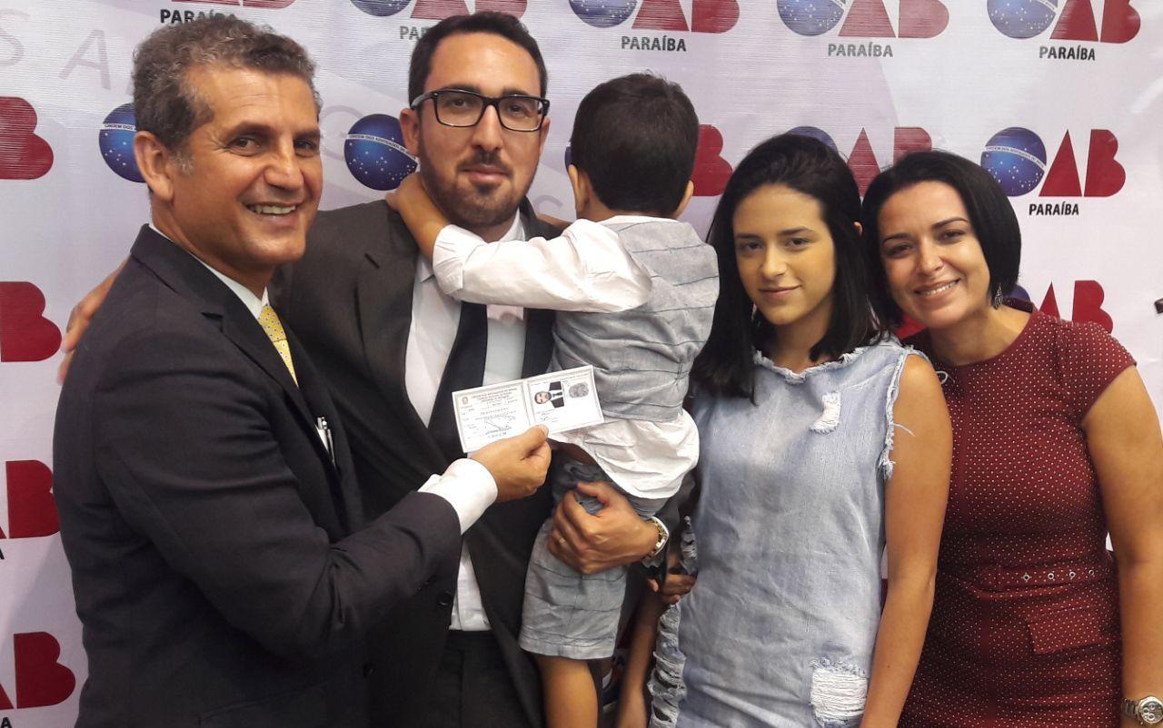 OAB-PB entrega carteiras a novos advogados em João Pessoa