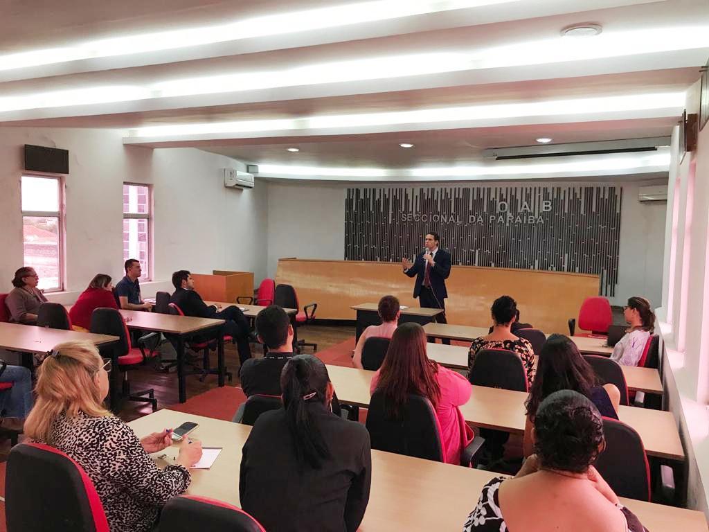 Secretário-Geral da OAB-PB se reúne com funcionários e celebra Mês das Mulheres