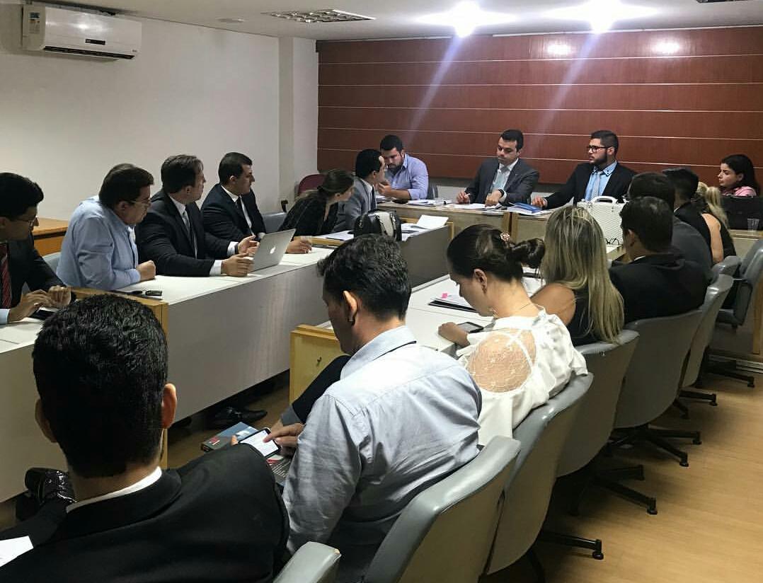 Comissão de Prerrogativas aprova regimento interno e encaminhamento de desagravo público ao Conselho Pleno