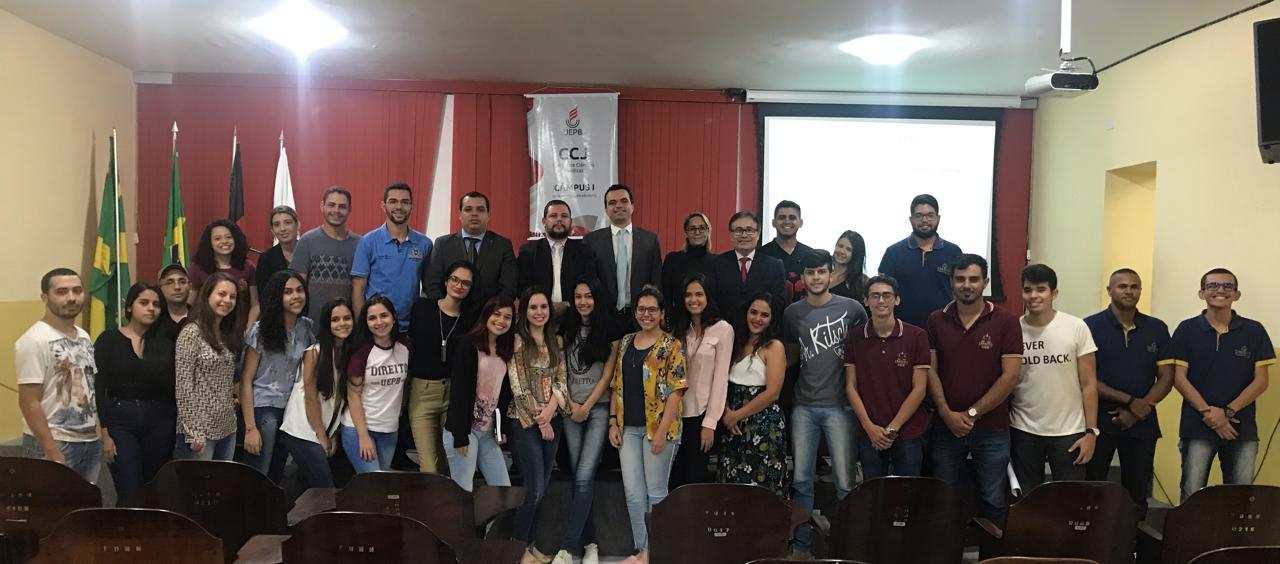 Comissão de Prerrogativas da OAB-PB realiza palestra para alunos da UEPB