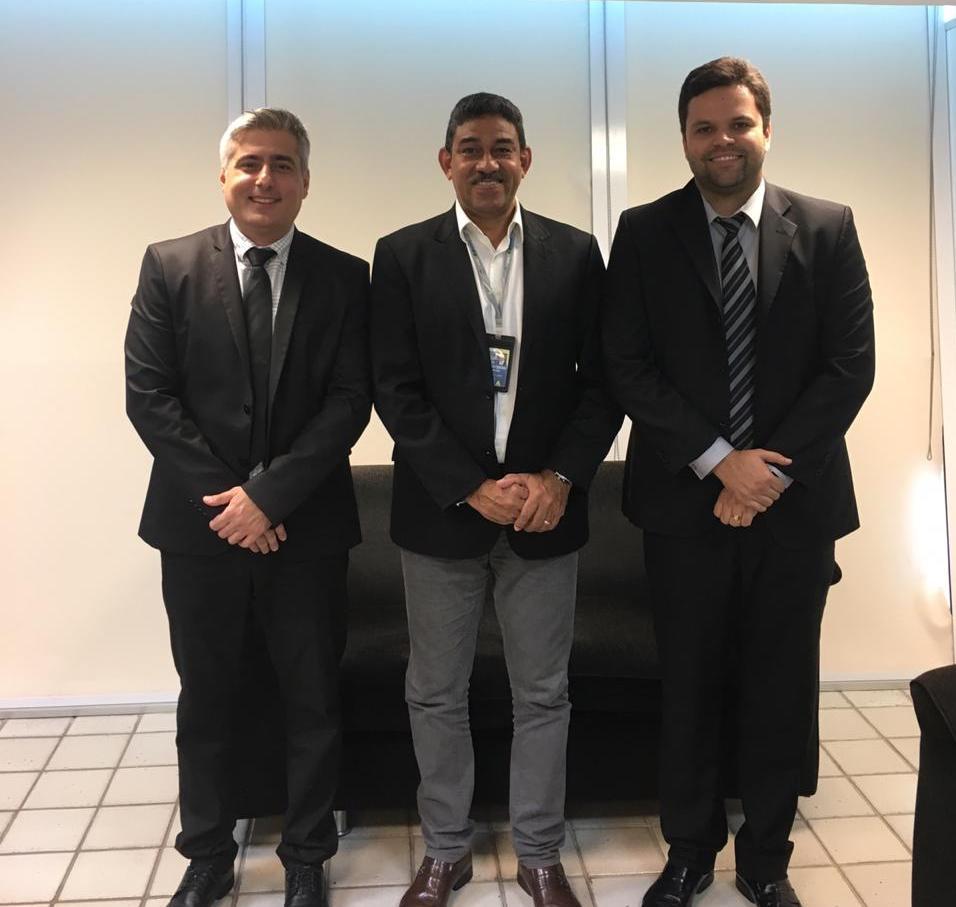 Comissão de Direito Aeronáutico da OAB-PB realiza reunião com superintendente da Infraero
