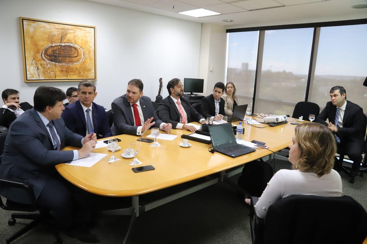 Paulo Maia representa a OAB-PB em reunião com empresa responsável pela implantação do Anuidade Zero