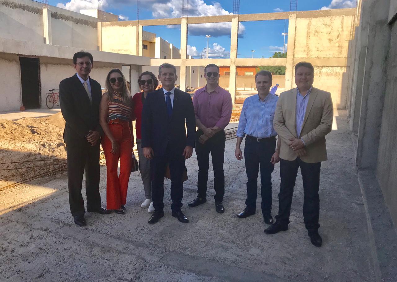 Paulo Maia inspeciona obras do Centro de Convivência e Recreação da Subseção de Sousa