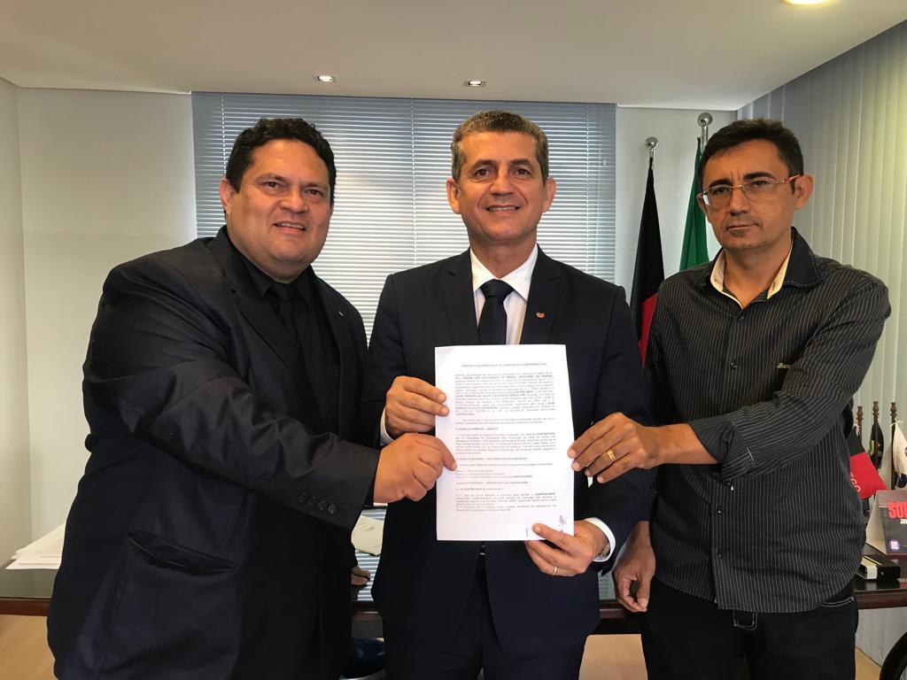 Presidente da OAB-PB assina contrato para construção da sede da Subseção de Catolé do Rocha