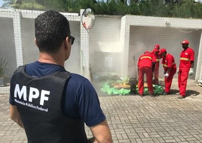 Comissão participa de operação que visa inibir o lançamento de esgotos domésticos não tratados na natureza