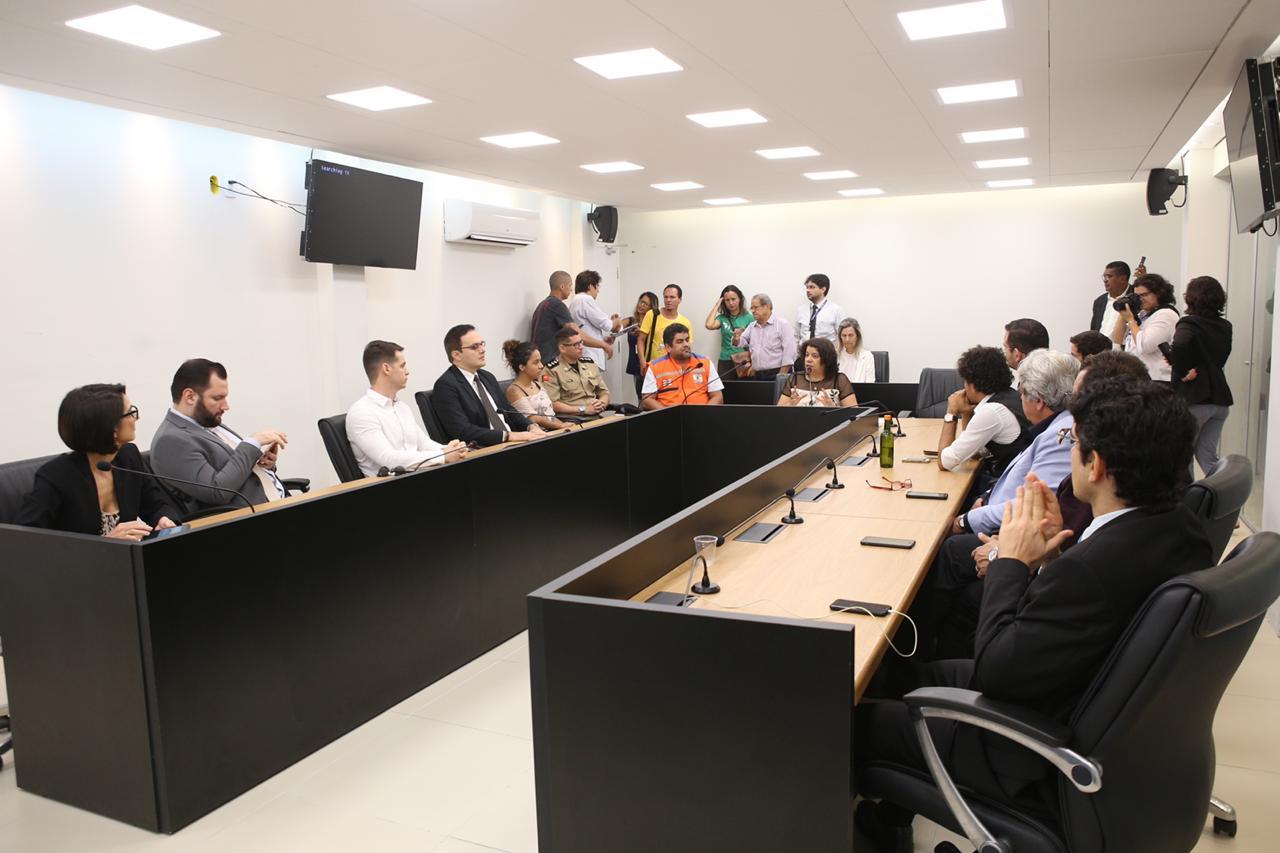 OAB participa de reunião na AL para discutir vazamento de óleo nas praias paraibanas