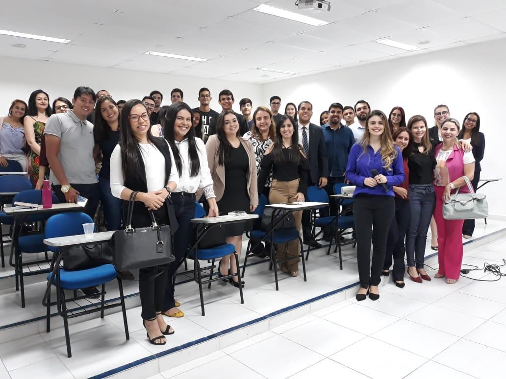 Turma lotada para a companhar o curso de Oratória da Comcrim em parceria com a ESA