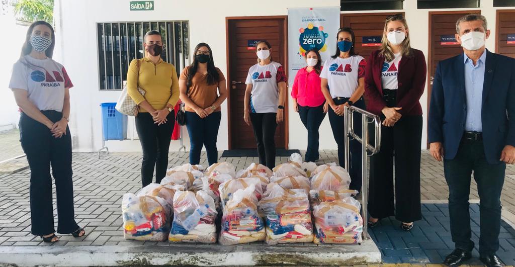 Solidariedade: Comissões da OAB-PB entregam cestas básicas para abrigos de idosos