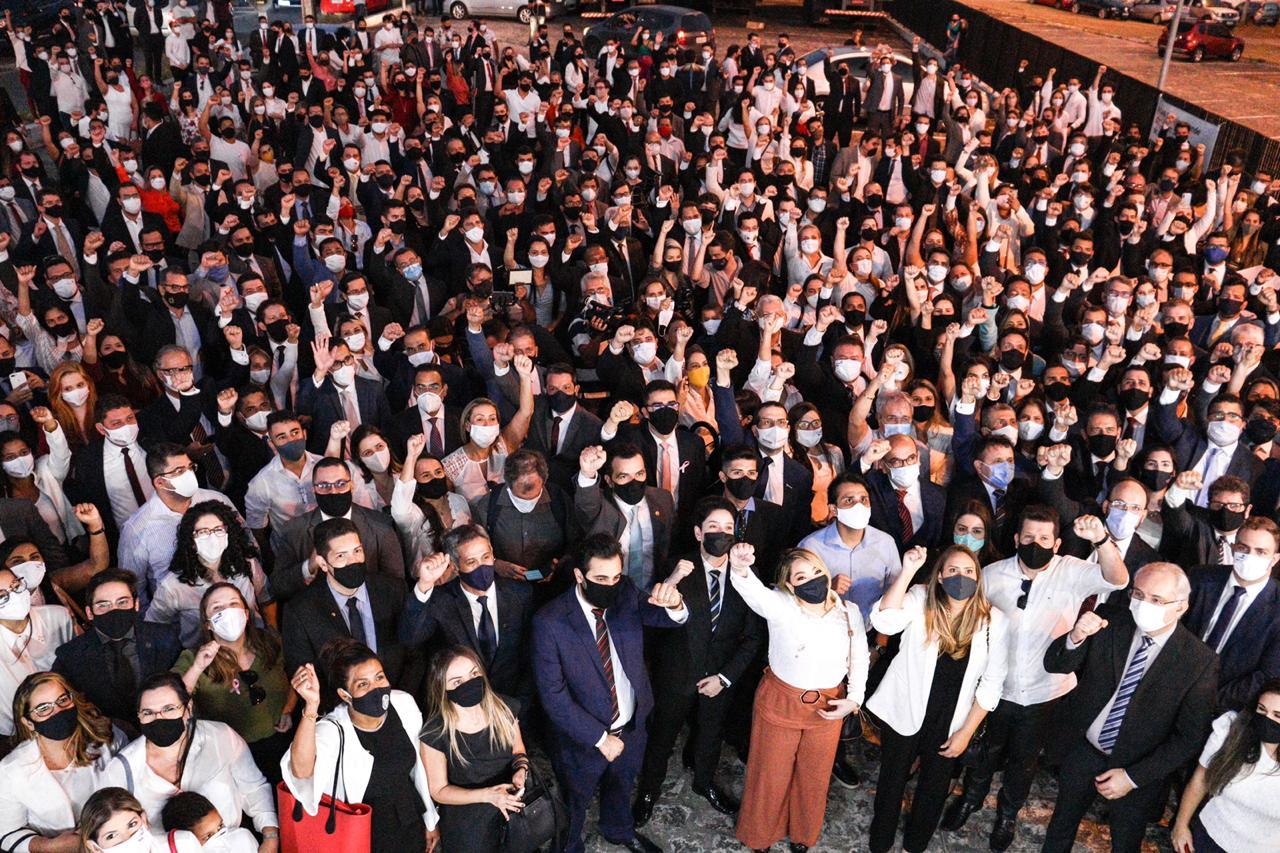 OAB-PB e Conselho Federal realizam desagravo em favor de advogados agredidos por delegados e policiais